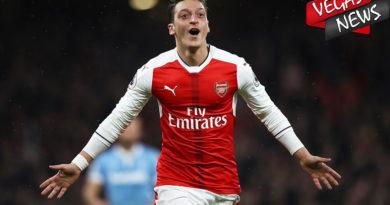Mesut Ozil Ragukan Masa Depannya di Arsenal